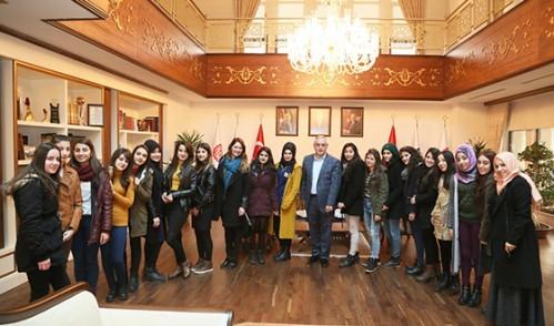 Cizreli Gençler Eyüp Sultan'a Misafir Oldu