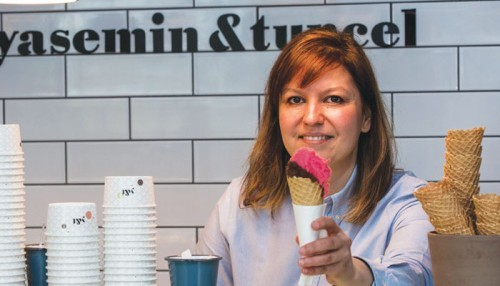 Göktürk'te Dondurma ve Kahve Profesörleri: Yasemin &Tuncel