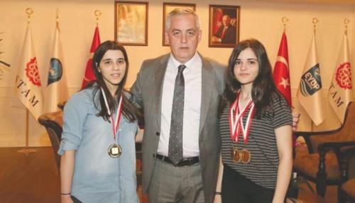 Eyüp'ün Engel Tanımayan Altın Kızları