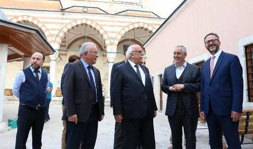 Bakan Avcı'dan Başkan Aydın'a tebrik