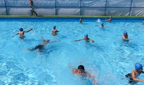 Eyüplü çocuklar havuzları doldurdu!