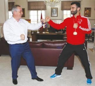 Eyüp'te Bir Avrupa şampiyonu: Uğur Aktaş
