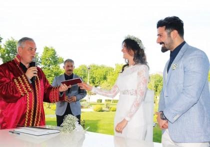 Eyüp Sultan'da Nikaha Büyük İlgi