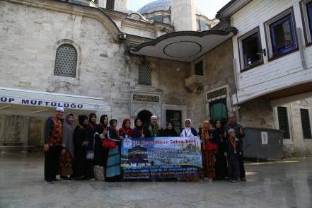 Endonezyalı Müslümanlardan Umre öncesi Eyüpsultan'a ziyaret
