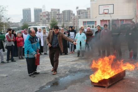 Güzeltepe Gençlik ve Kültür Sanat Merkezi'nde 'acil durum' tatbikatı