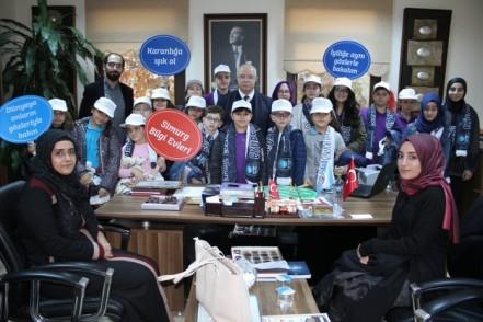 Alibeyköy Bilgi Evi öğrencilerinden İlçe Milli Eğitim Müdürüne ziyaret