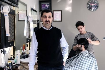Alibeyköy'ün 30 Yıllık Berber Ustası: Suat Canlı
