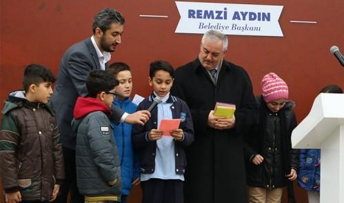 Mehmetçiklerimize mektuplar dualarla gönderildi