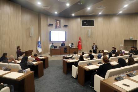 Eyüpsultan Belediyesi,  İnsan Kaynakları Ve Eğitim Müdürü Ömer Faruk Torun, stajyer