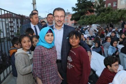 Emniyettepe, açık hava, iftar, Eyüpsultan Belediyesi, Eyüpsultan Belediye Başkanı Deniz Köken