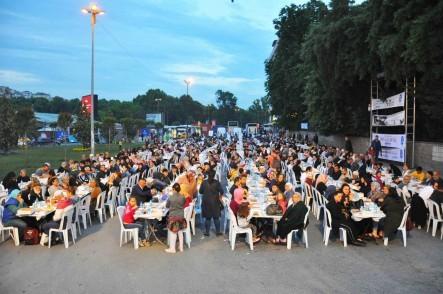 Alibeyköy, iftar, Eyüpsultan Belediyesi, Eyüpsultan Belediye Başkanı Deniz Köken