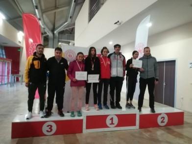 Eyüpsultan Atletizm Takımı, Tuğçe Özkan, Zeynep Sunay Yıldız, atlet