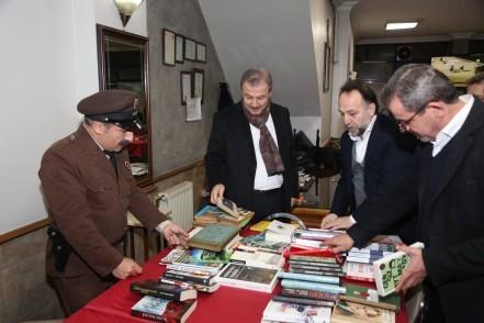 Eyüpsultan Belediye Başkanı Deniz Köken', Her Kahvehaneye Kitaplık