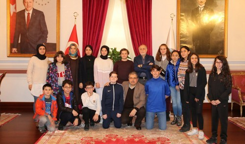 Çocuk Meclisi'nden Darülaceze'ye Ziyaret
