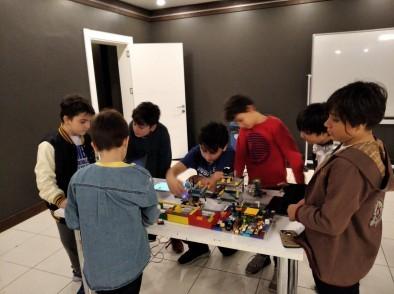 Eyüpsultan Belediyesi, Göktürk Gençlik ve Kültür Sanat Merkezi, Robotik Kodlama Dersleri