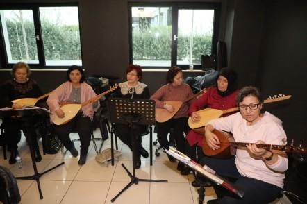Eyüpsultan Belediyesi, Göktürk Gençlik ve Kültür Sanat Merkezi, Türk Halk Müziği Korosu eğitimi