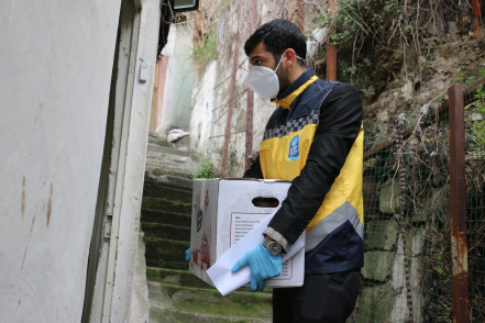 Eyüpsultan Belediyesi'nden İhtiyaç Sahiplerine Gıda Yardımı