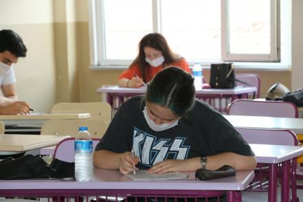Eyüpsultanlı Öğrencilere Yüzyüze Deneme Sınavları Devam Ediyor