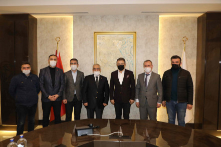 İstanbul Esnaf ve Bakkallar Odası'ndan Deniz Köken'e teşekkür ziyareti
