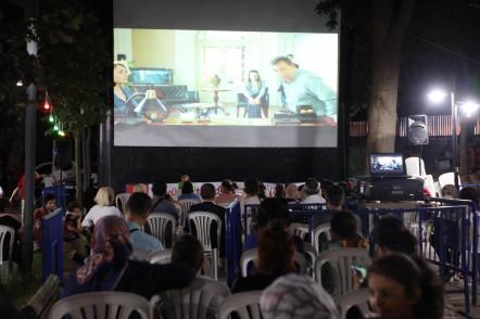 Rami'de açık havada sinema keyfi