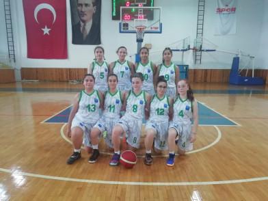 Eyüpsultan Belediyesi Spor Kulübü, basketbolda U16 kız takımı ilk resmi maçına çıktı.