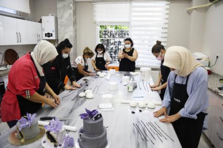Eyüpsultan Sanat ve Meslek Eğitim (ESMEK) Kurslarına kayıtlar başladı