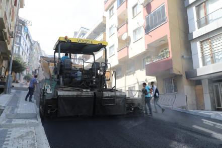 Eyüpsultan'da asfaltlama çalışmaları aralıksız devam ediyor