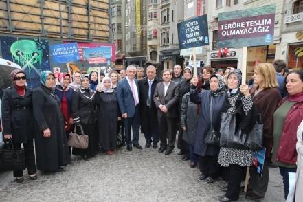İSTİKLAL CADDESİ'NDE TERÖRE PROTESTO