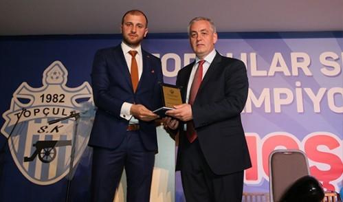 Topçular Spor Kulübü Şampiyonluğu Kutladı